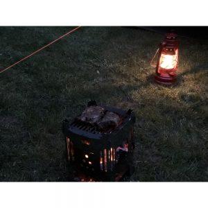 MoKo, Feuerhand grillen vor dem Zelt